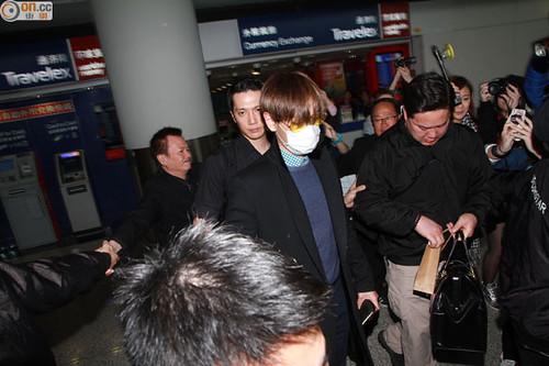 TOP arriving Hong Kong 2015-03-13 02