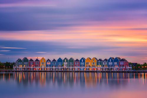 Rainbow Houses por Albert Dros