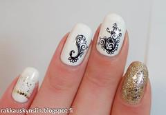 hand(1.0), nail care(1.0), finger(1.0), nail polish(1.0), glitter(1.0), nail(1.0), pink(1.0), manicure(1.0), cosmetics(1.0),