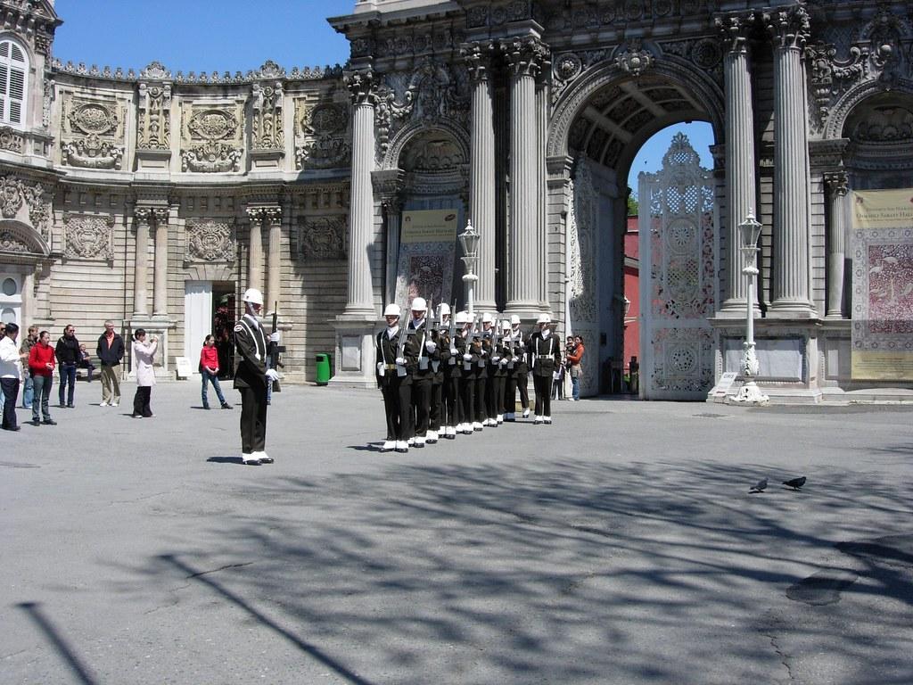 Cambio de guardia en el Palacio de Dolmabahçe