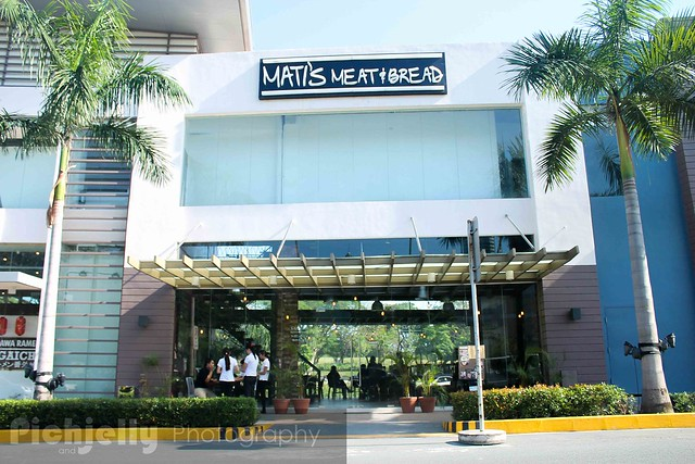Mati's Meat and Bread in Filinvest Riverside | iMunch