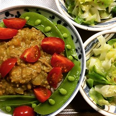 keema curry, coconut cabbage sabzi, rice #dinner #keema #curry #coconutoil #cabbage #sabzi #japan  #tomato #sugarsnappeas