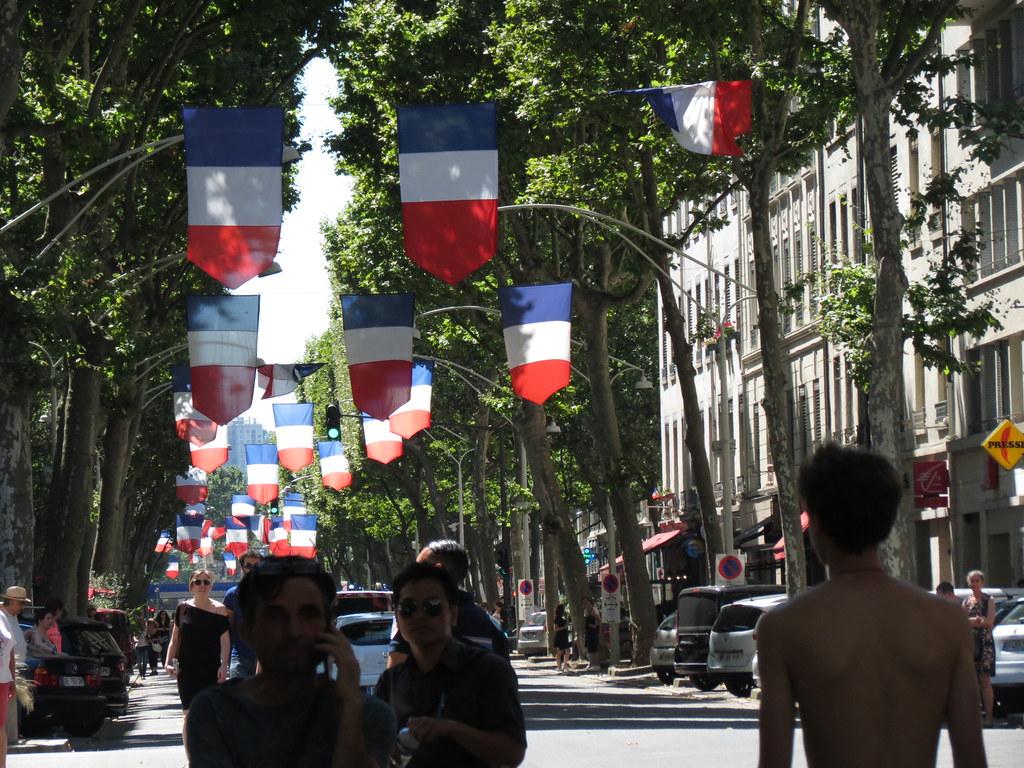 Blanche Porcelaine Pour Un Contraste Sexuel à Blois