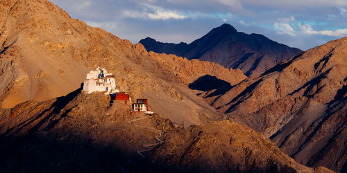 travel india mountain trekking landscape faith hill religion buddhism panoramic adventure monastery zanskar leh 15th isolated ladakh gompa budismo landofhighpasses