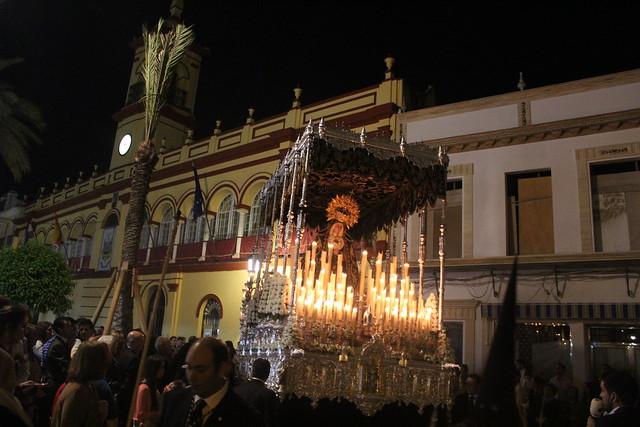 AionSur 16851923698_ce945ed6fd_z_d Estampas de Viernes Santo, de luz y devoción por las calles de Arahal Cultura Semana Santa