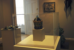 White Laminate Pedestal with Dustcover