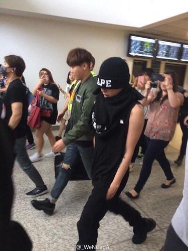 BIGBANG Melbourne Arrival 2015-10-20 (2)