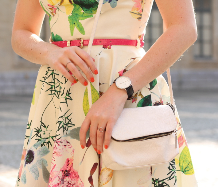 girly spring outfit: floral Closet London dress, diamanti per tutti rings, daniel wellington watch