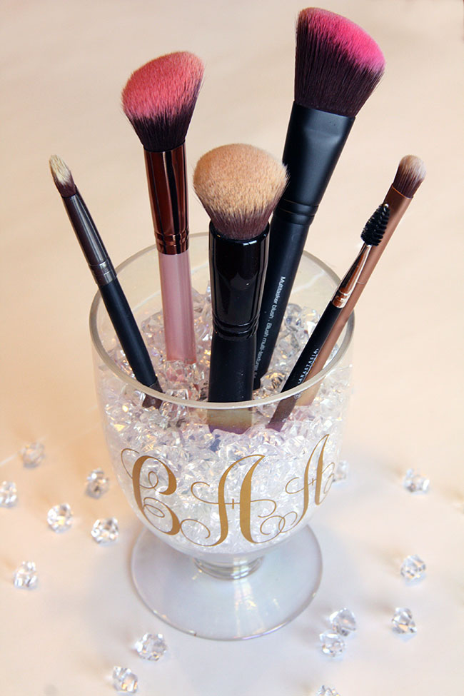 Monogrammed Makeup Brush Holder {Using Vinyl on the Silhouette}