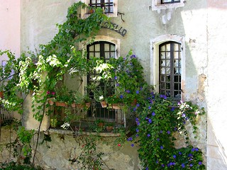 FRANCE - Provence, Alpes-de-Haute-Provence,   Moustiers-Sainte-Marie, varanda , 12634