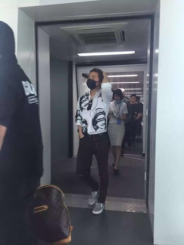 BIGBANG arrival Shenzhen 2015-08-07 by 总裁龙 (1)