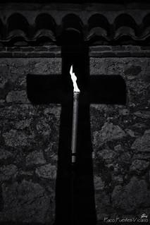 Sombra y Luz. (En el cementerio)