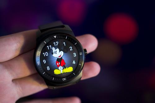 LG G Watch R   išmanieji laikrodžiai ne madoje?