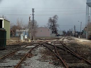 Unused tracks and an old tilt signal at kokomo indiana