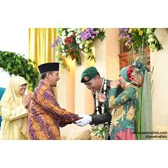 Happy wedding for Nurul & Juna. Wedding photo by @Poetrafoto. visit our web http://wedding.poetrafoto.com and our FB on http://fb.com/poetrafoto :)