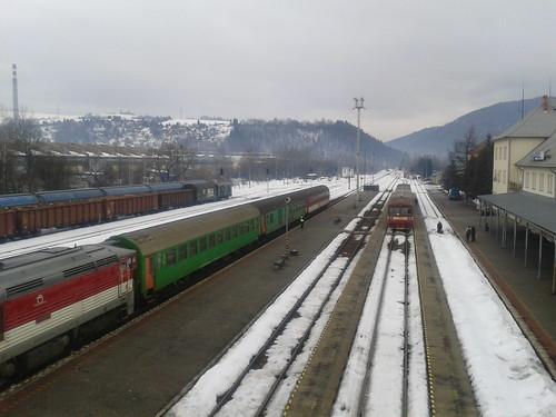 winter snow station train photos slovensko slovakia blizzard zima calamity sneh vlak banska brezno stanica wiews bystrica