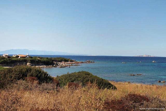 Spiaggia tra la Chiesa di San Silverio e Torre Vignola, Costa Paradiso