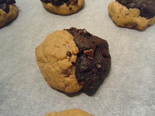 half chocolate/ half peanut butter cookies