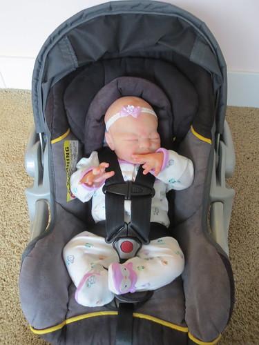 Clarissa\'s new car seat -