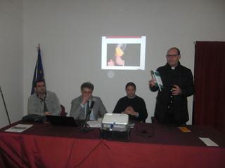Don Nicola Donghia presenta il libro