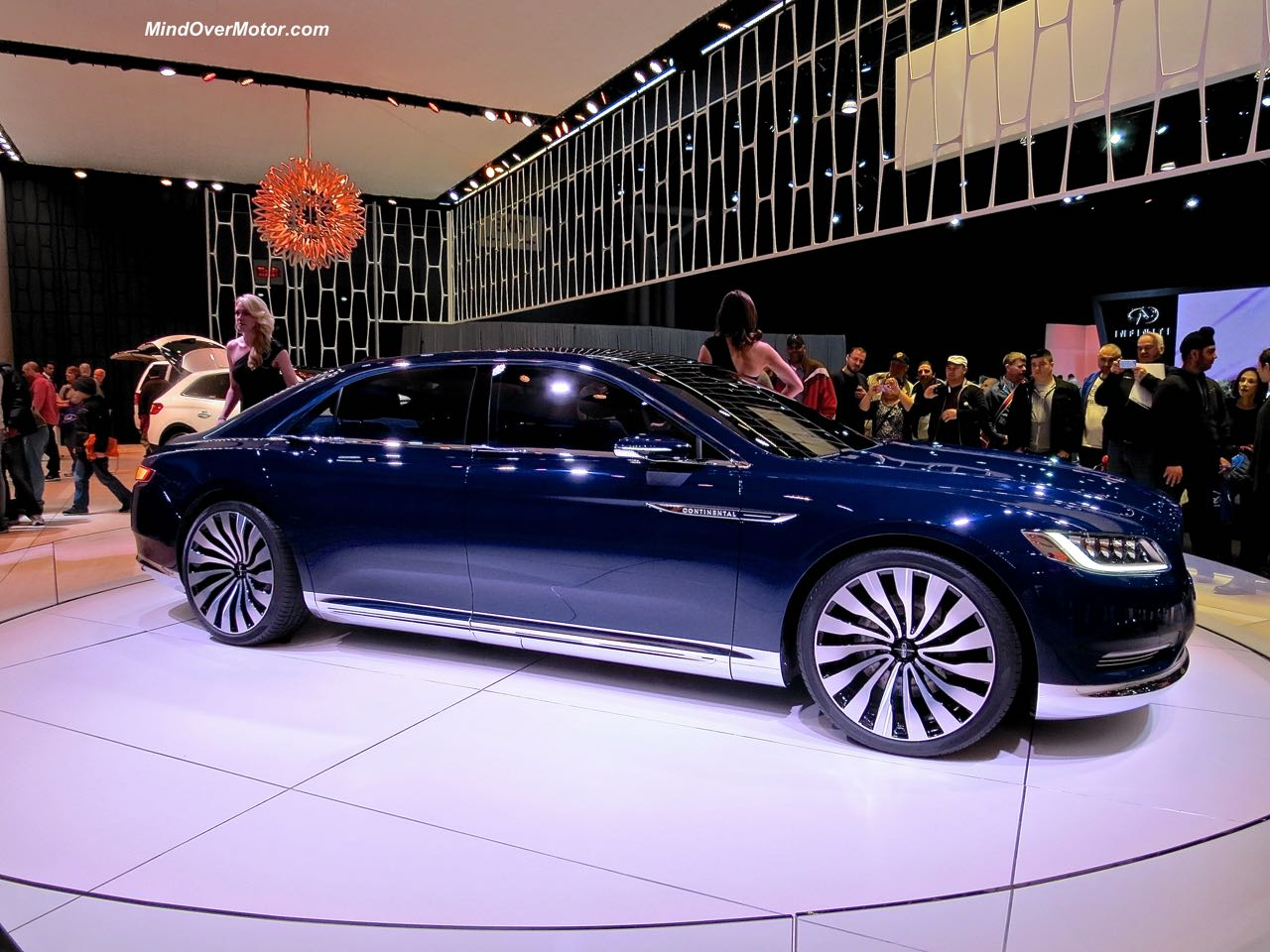 Lincoln Continental Concept Side