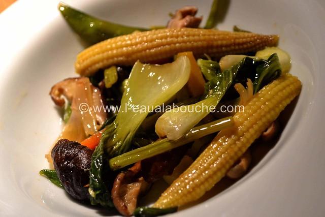 Teriyaki de Thon Sur Lit de Légumes avec son Bouillon © Ana Luthi