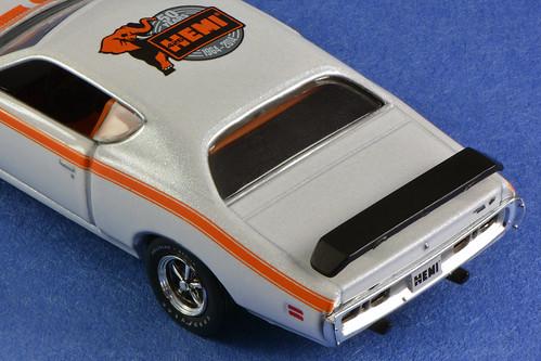M2 Machines 1971 Dodge Charger Super Bee Hemi