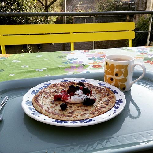 Vakantie - ontbijt - buiten - zalig. En ook #healthy