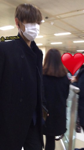 Dae Sung & TOP - Gimpo Airport - 01mar2015 - TOP - mino930 - 03