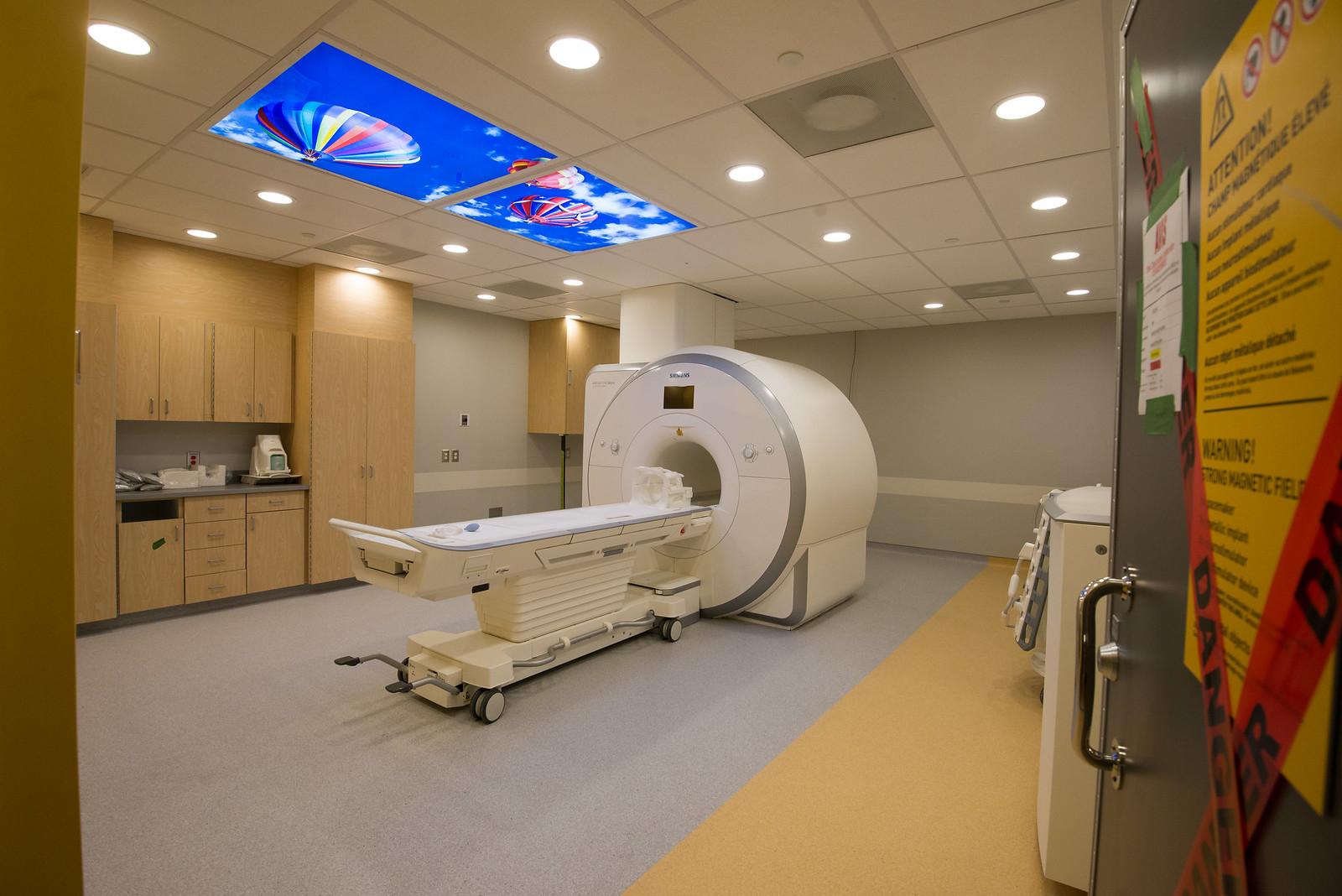 Le nouvel Hôpital de Montréal pour enfants / The new Montreal Children's Hospital