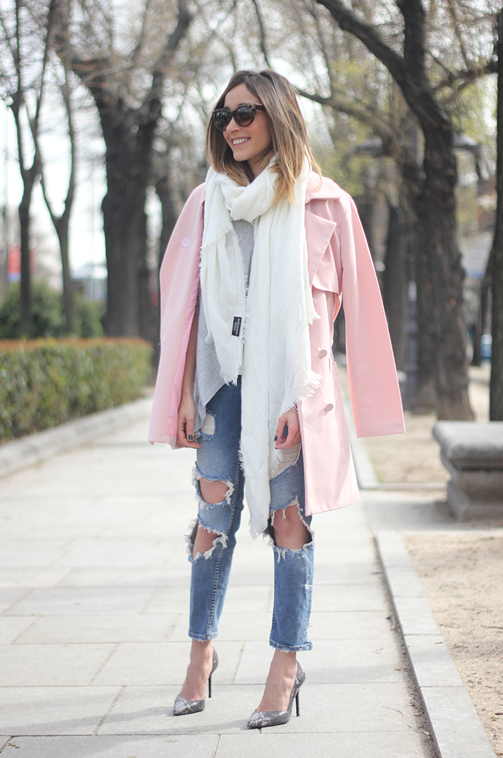 Pink trench & Ripped Jeans04