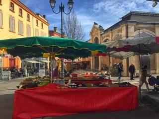 El mercado de Moissac (Midi Pyrénées, Sur de Francia)