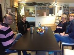 Sissel Haugen, Astrid Haug, Håkon Knappen og Beate Ranheim klare for kasseringsdugnad