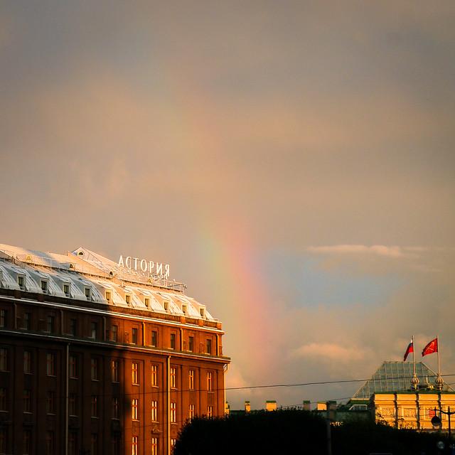 Fuzzy rainbow in Saint Petersburg, Russia サンクトペテルブルク、かすかな虹
