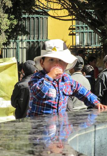 Potosi: un jeune consommateur de glace. Les Latinos adorent les glaces !