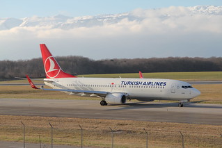 Turkish Airlines. TC-JHZ. Boeing 737-8F2