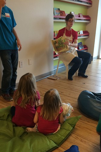 Story time at The Thinkery.