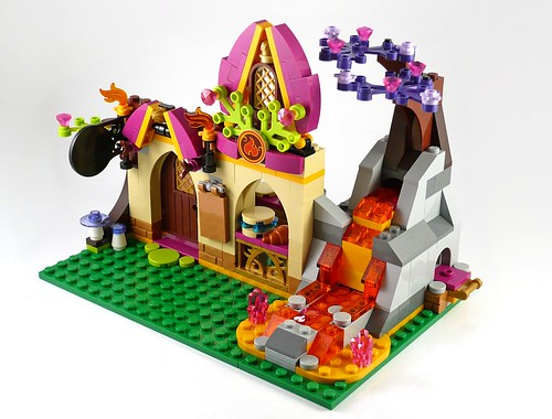 LEGO Elves 41074 Azari and the Magical Bakery 14