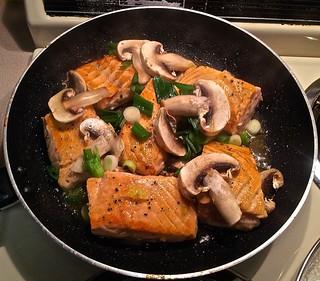Grilling salmon steaks