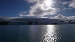 Lodowce otaczajace Argentyńska stacje Antarktyczna