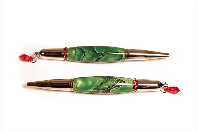 Two Curvy Diva Pens