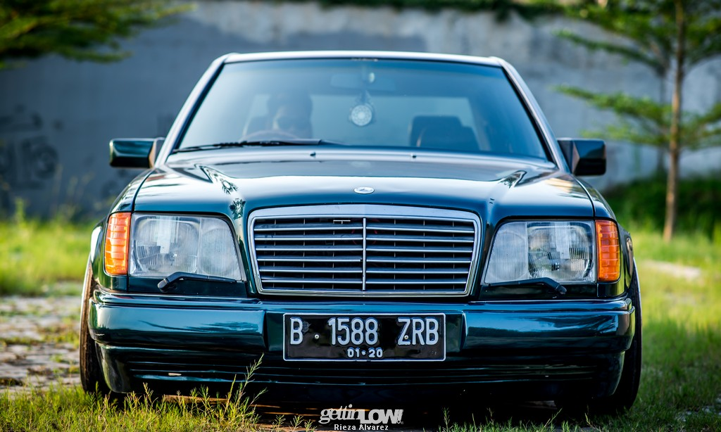Mercy-W124-darkgreen_07