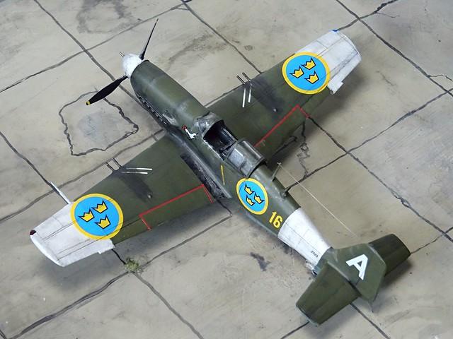 1:72 Saab J 23B; 'Vit Adam' ('White A', s/n 2323), Swedish Air Force Upplands Flygflöttilj 16, Air Staff Flight; Uppsala (Eastern Sweden); summer 1947 (Whif/Kit bashing)