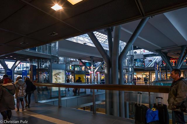 Berlin Hauptbahnhof (central station)
