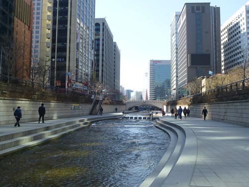 Co-Seoul-Cheonggyechen-Canal (9)