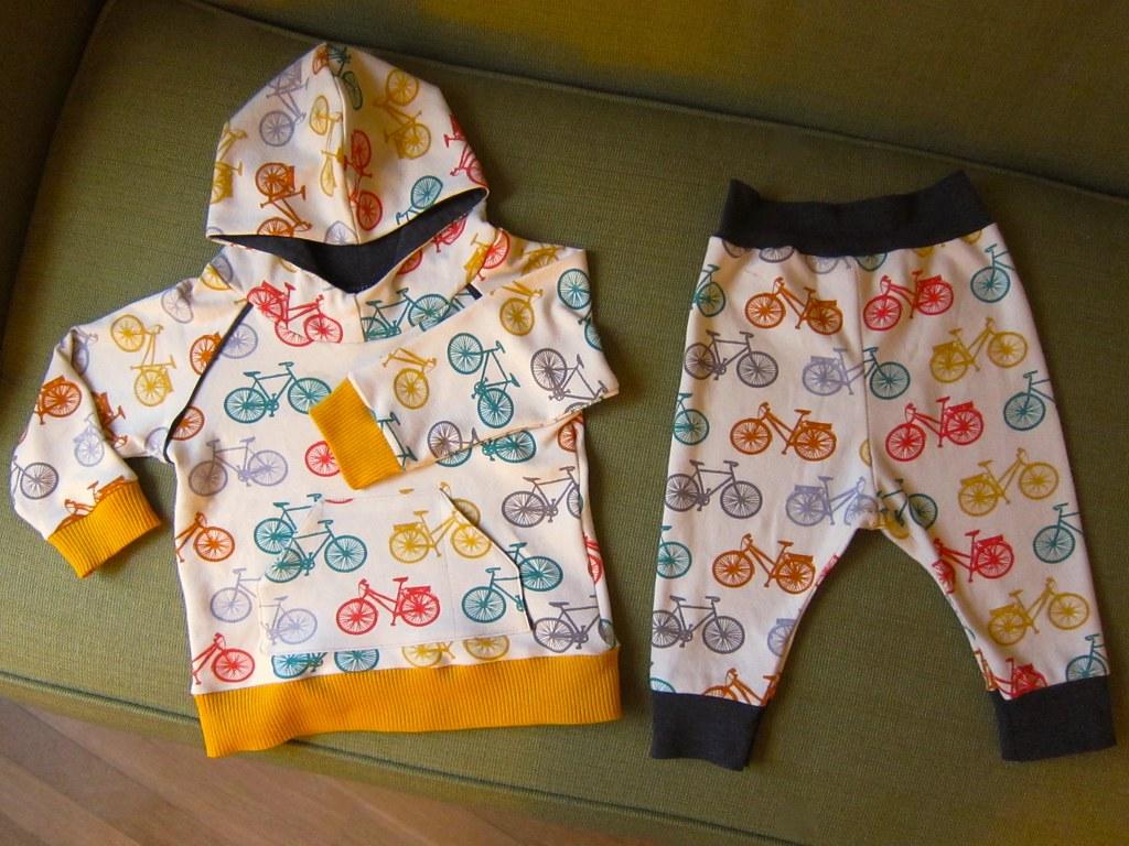 Bicycle print baby hoodie and pants