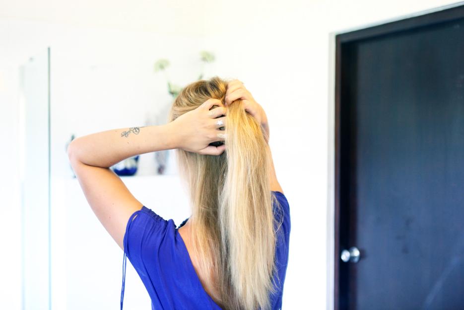 POSE-blonde-6
