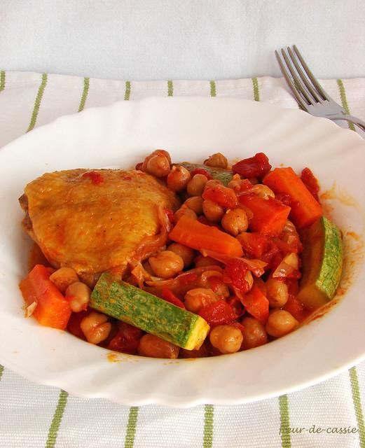курица с нутом и овощами