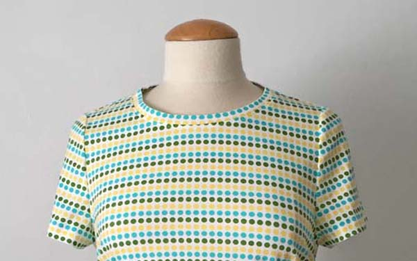 neckline of dot t-shirt McCalls 7046