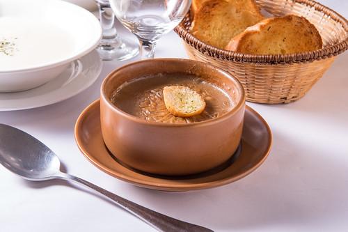 高雄50年牛排老店,新國際西餐廳堅持的傳統美味料理 (14)洋蔥湯